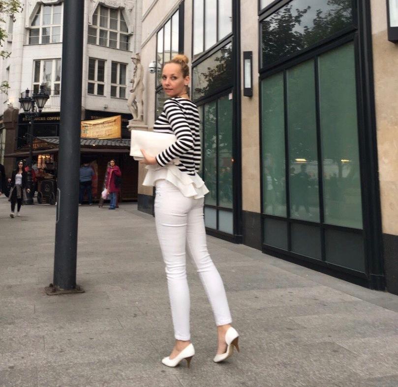 black_white_stripes_ruffle_top_fashion_outfit