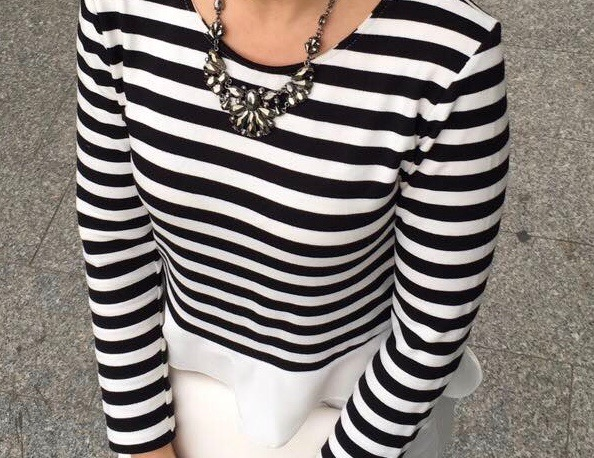black_white_stripes_ruffle_top_fashion_outfit