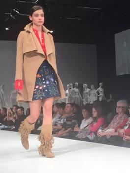 Valentine Gauthier fashion show
