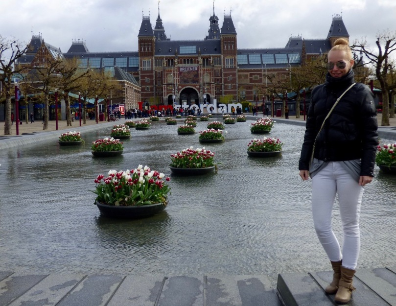 amsterdam sightseeing outfit