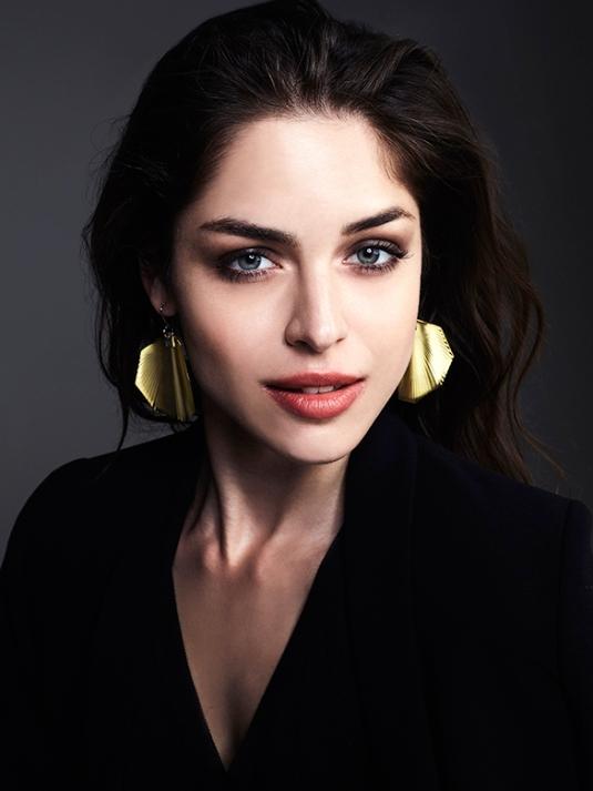 vanda ferencz earring