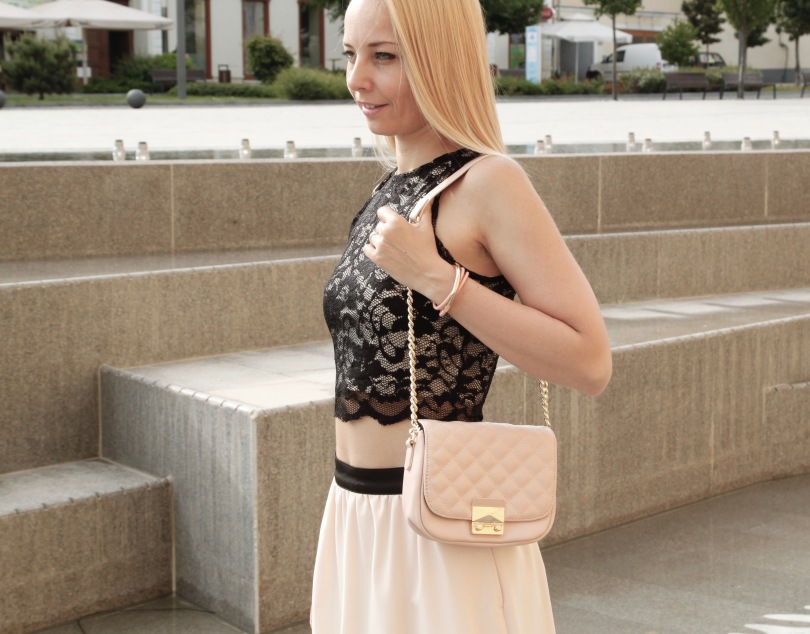 pink_skirt_lace_crop_top