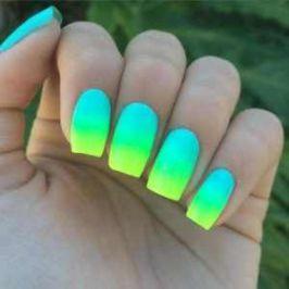 neon ombre köröm