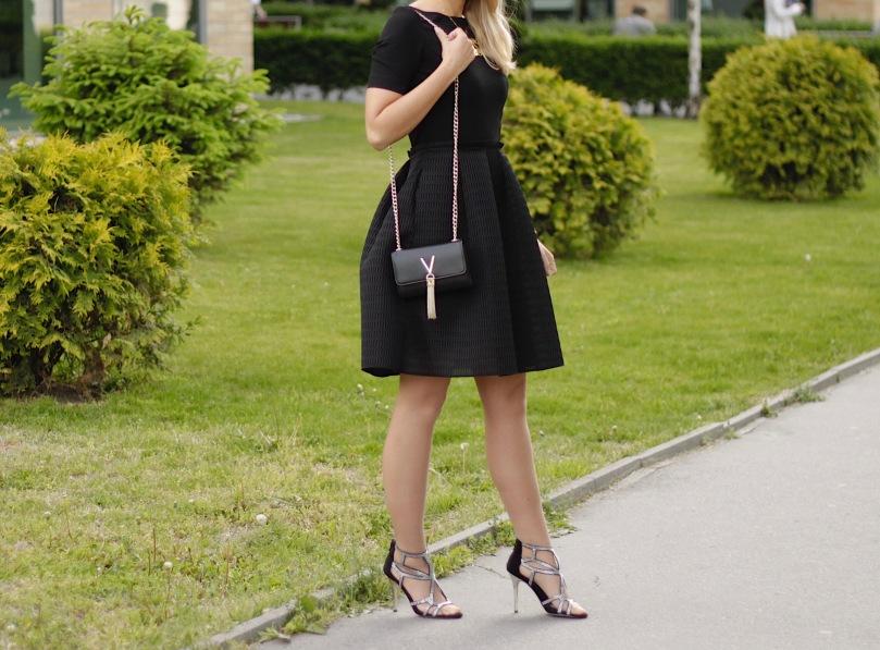 alkalmi ruha kis fekete ruha koktélruha