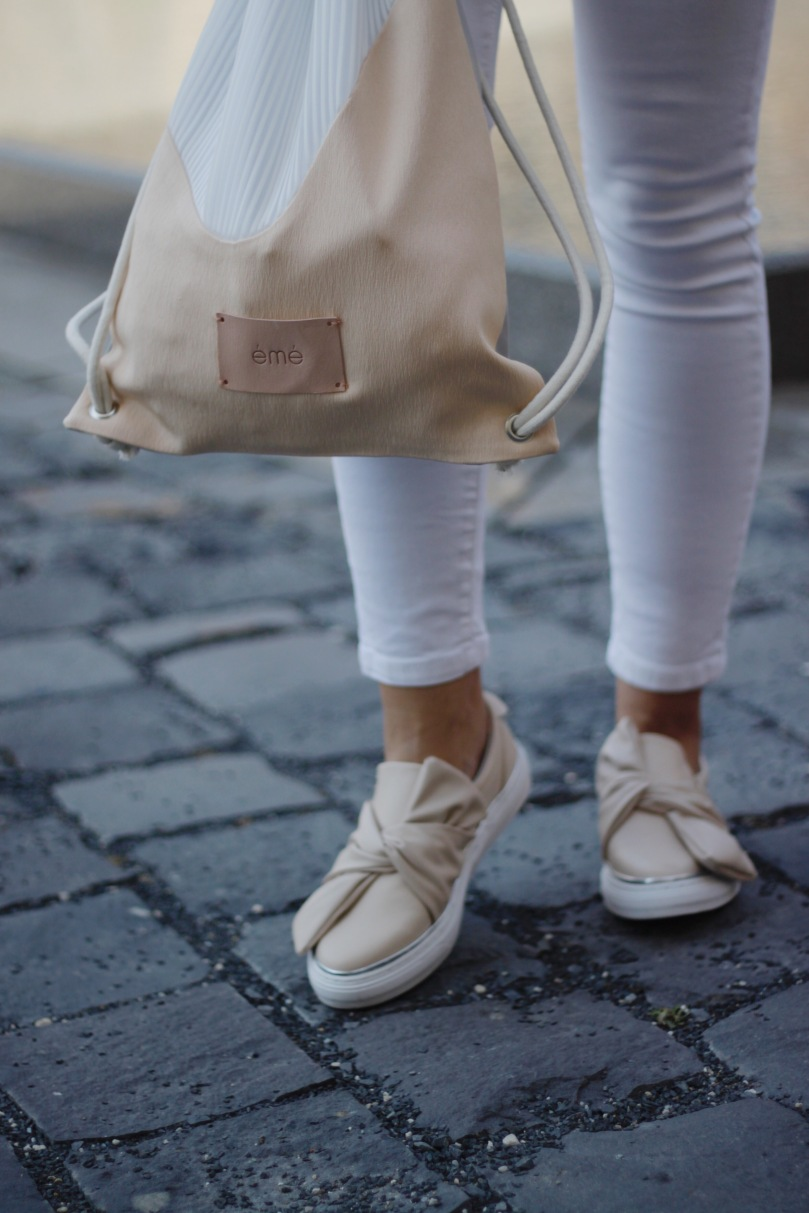bézs táska cipő