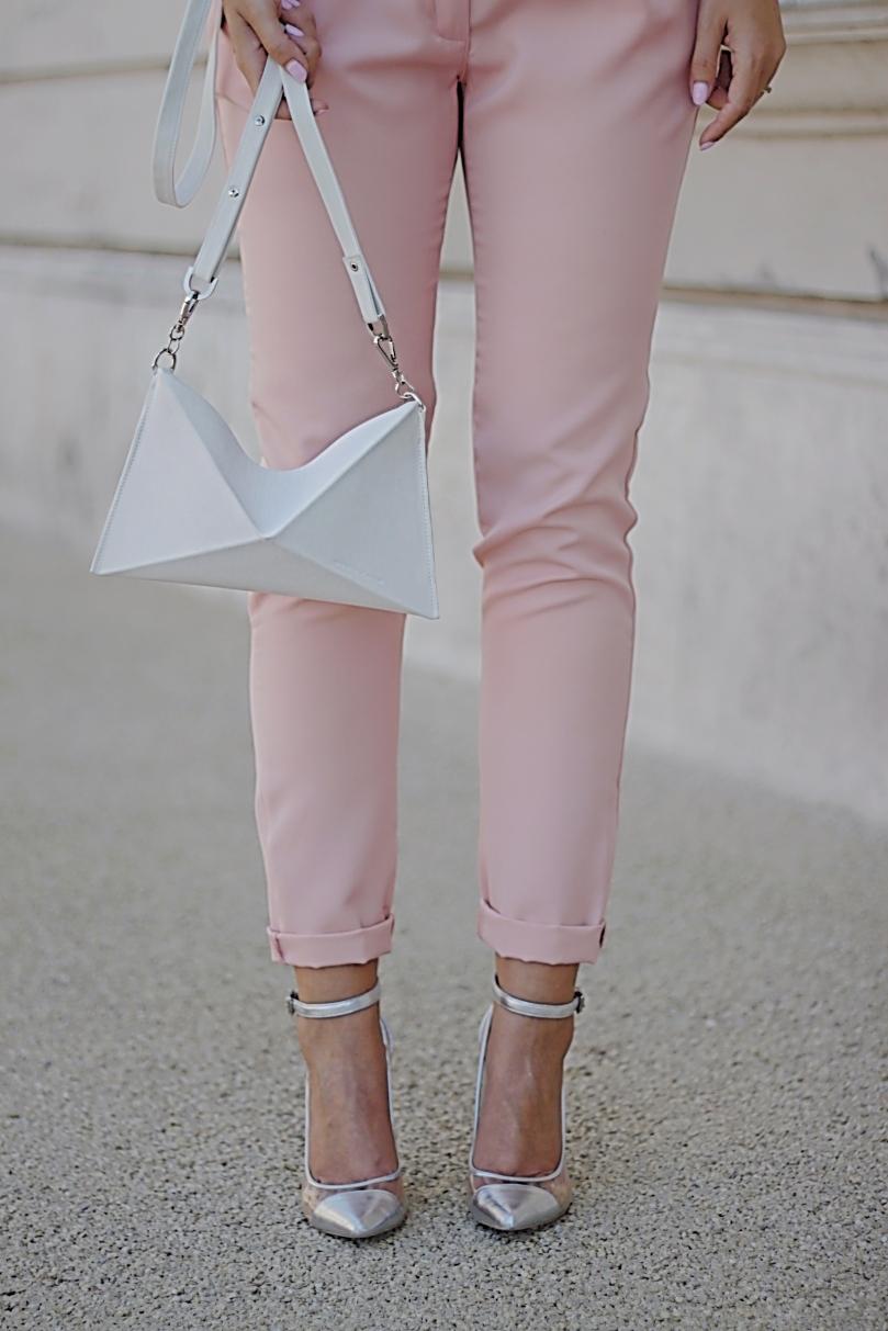 barack fehér outfit