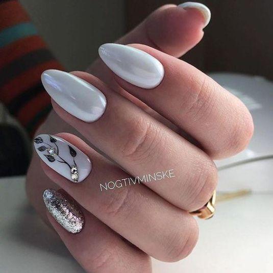 mac gadabout nail lacquer #10