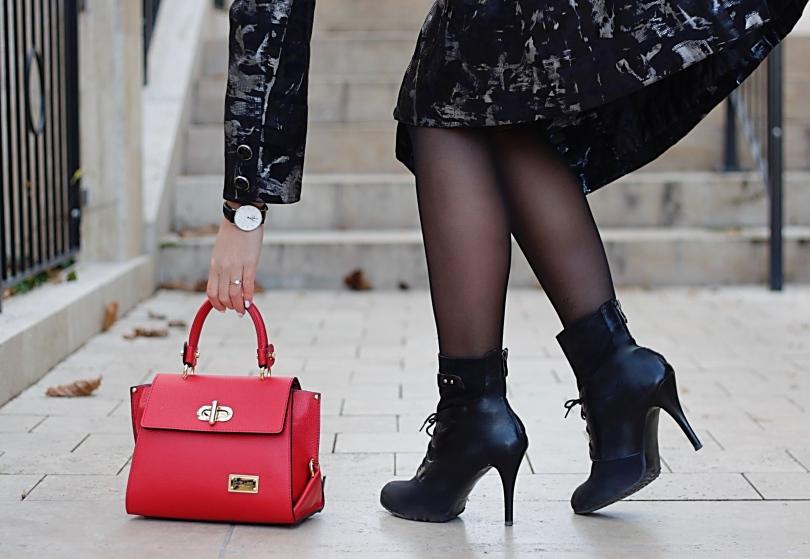 piros bőr táska