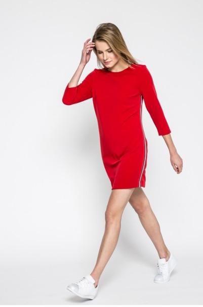 piros kényelmes sportos ruha