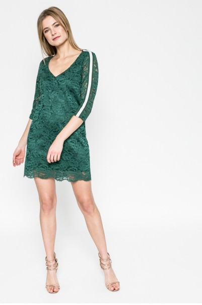 zöld csikpe ruha