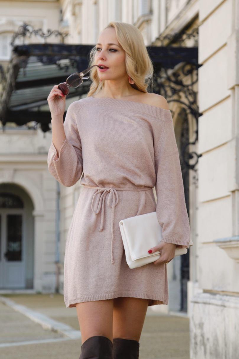 bézs színű téli kötött ruha