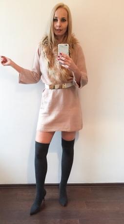 téli kötött ruha combcsizma