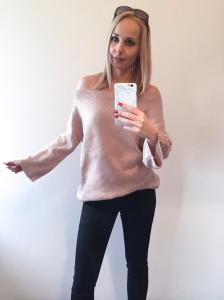 kötött ruha pulcsiként