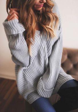 divatos szürke kötött pulcsi