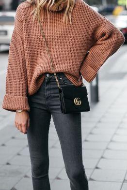 nagy kötött pulóver