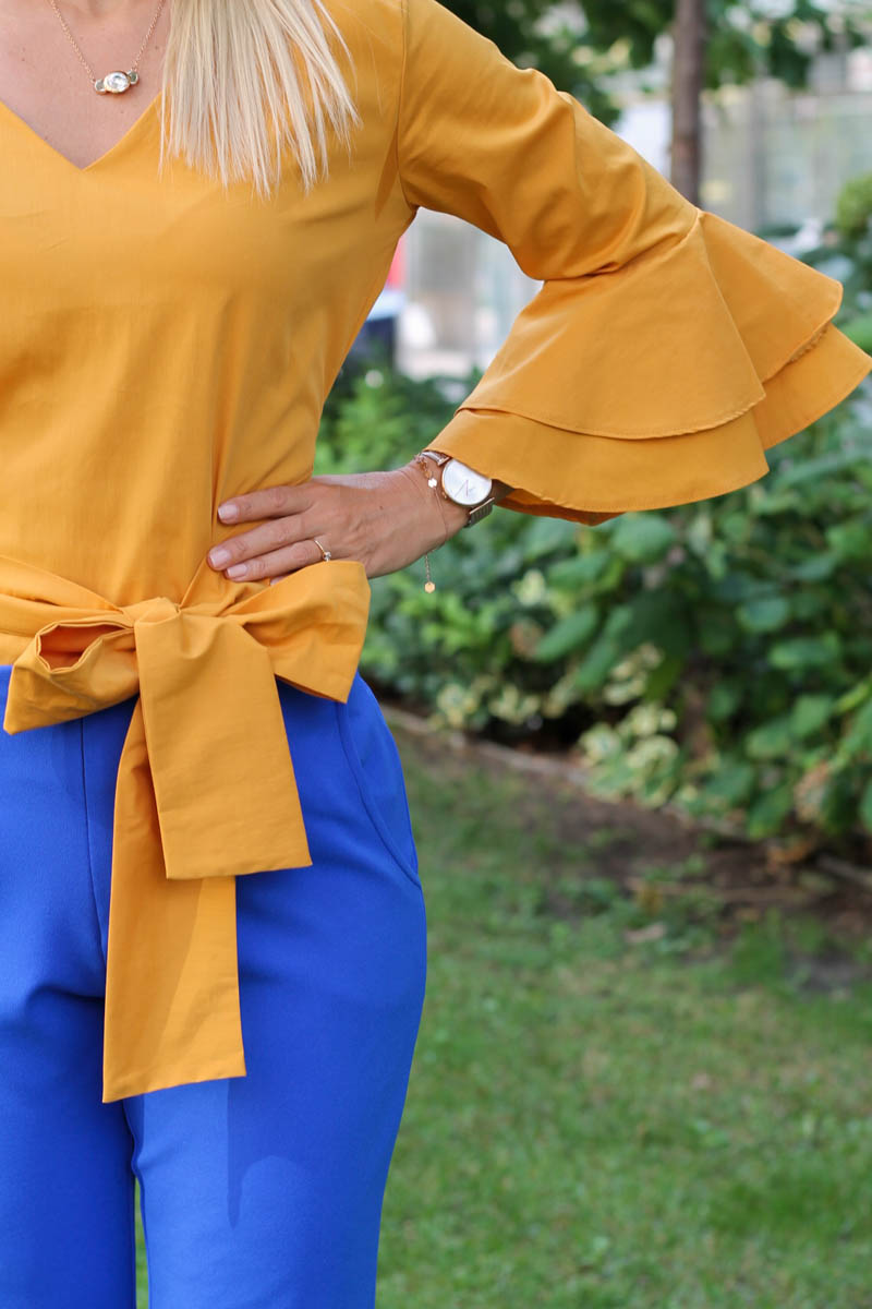 masnis megkötős sárga ing