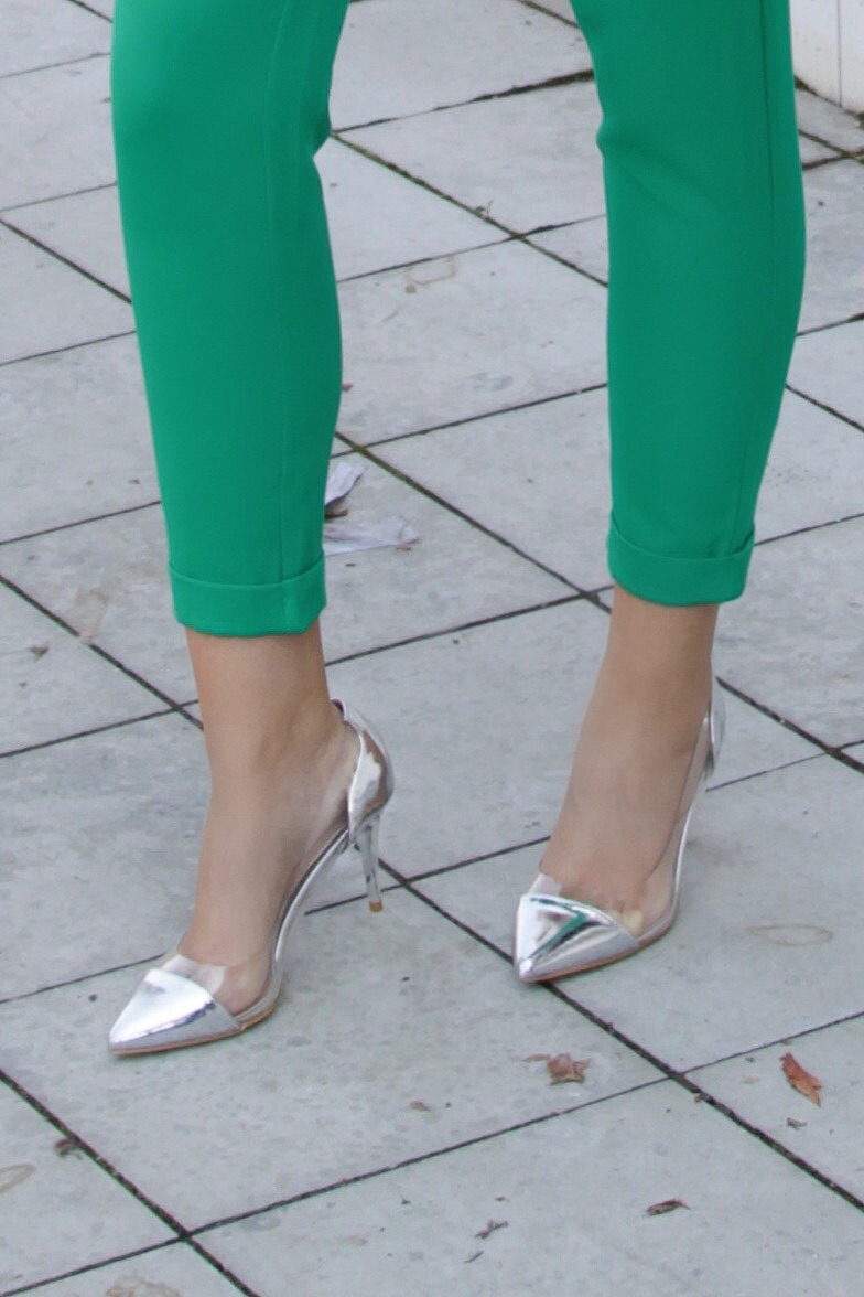 ezüst átlátszó magassarkú cipő