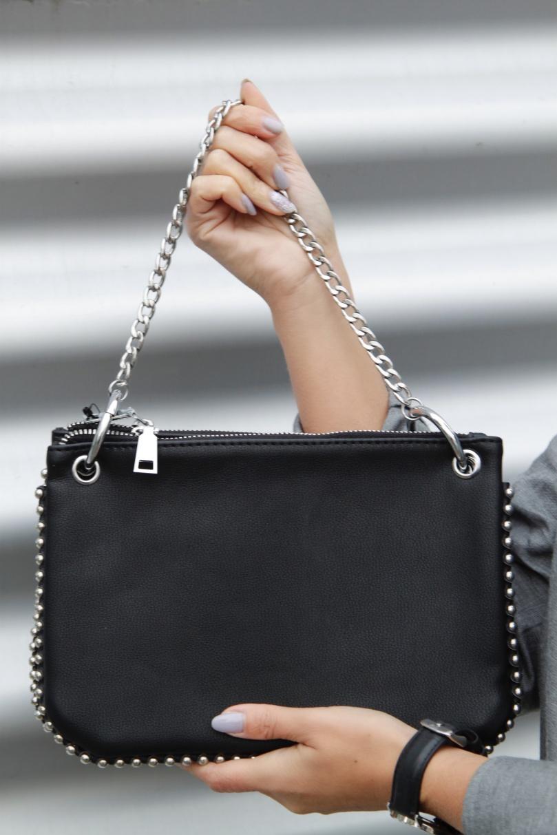 fekete futureal táska