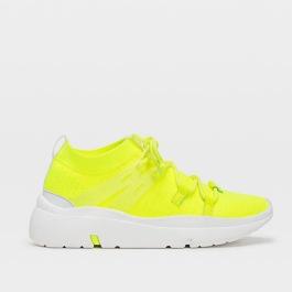 neon sárga cipő