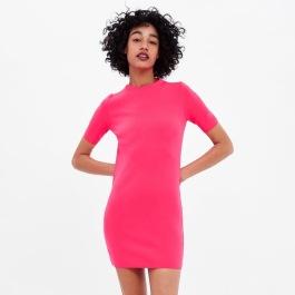 neon pink ruha