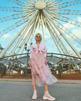 rózsaszín fodros fesztivál divat 2019